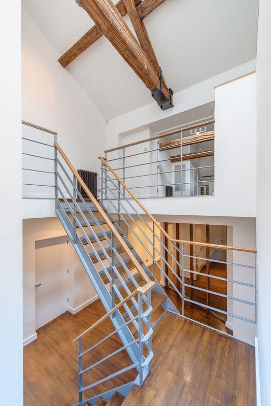 Feature Stairc...