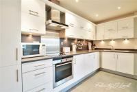 2 bed Flat for sale in Eluna Building E1W