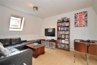 2 bedroom Flat in Hayfield Passage E1