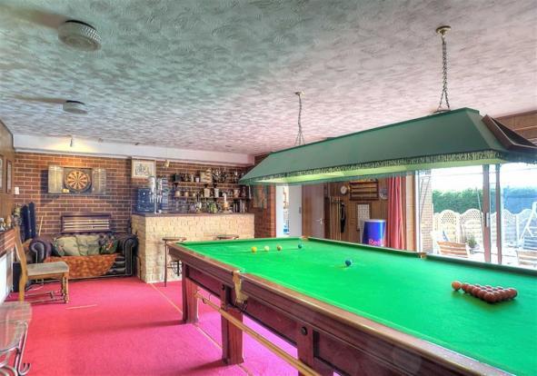 Snooker / Games Room