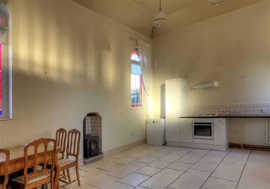 Additional Main Room