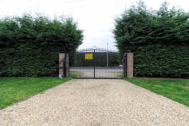 Front Drive and Gate