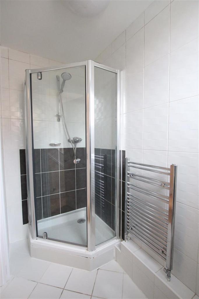 Ground Foor Shower R
