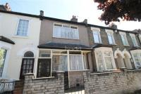 3 bed Terraced property for sale in Near Green Street