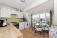 1 bedroom Flat for sale in Balham High Road, London...