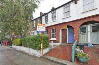 Flat in Oakmead Road, London...