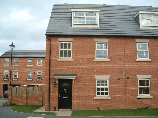 3 bedroom Town House in Bretton Close, Brierley...