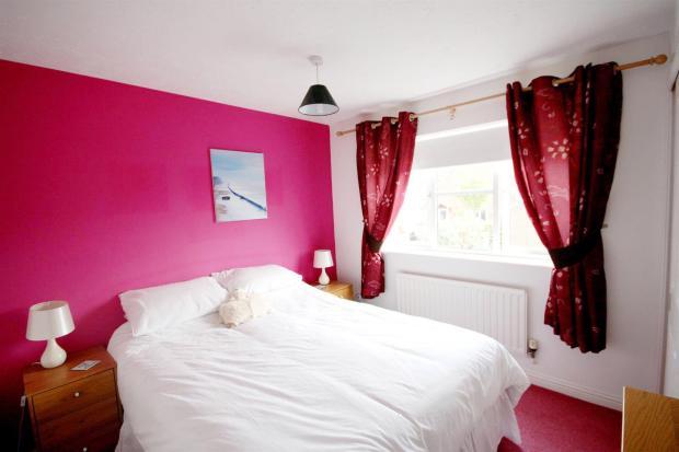 bedroomtiree2.jpg