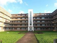 Flat in Blakewood Court, London