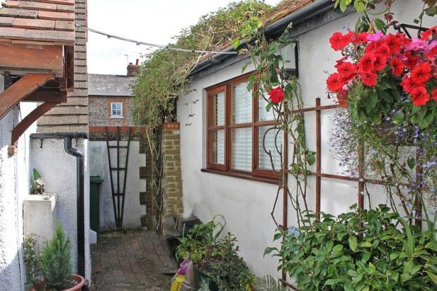 Side Courtyard 2