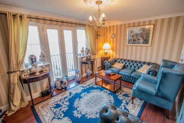 living-room-.jpg