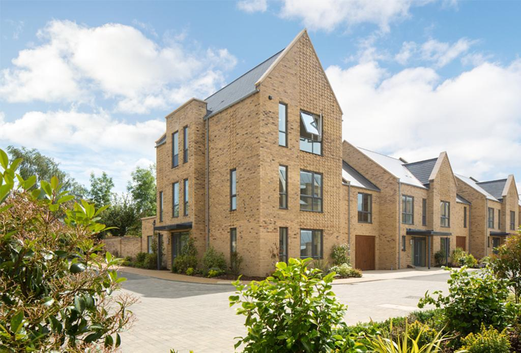 Oakwell Grange Whetsone London