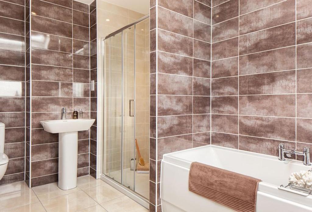 Oakwell Grange Show Home En Suite