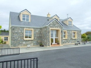 5 bed Detached property for sale in Galway, Inveran