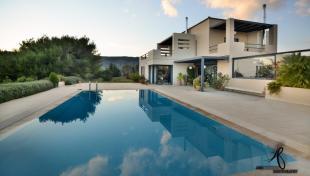 6 bedroom Villa in Marathonas, Attica