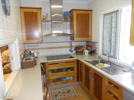 Fitted kitchen 1