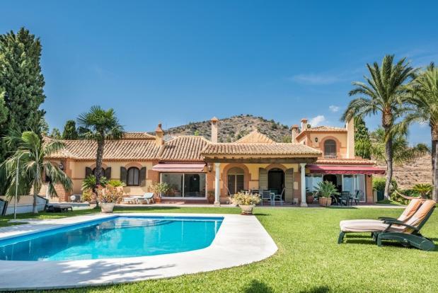 Villa from lawn