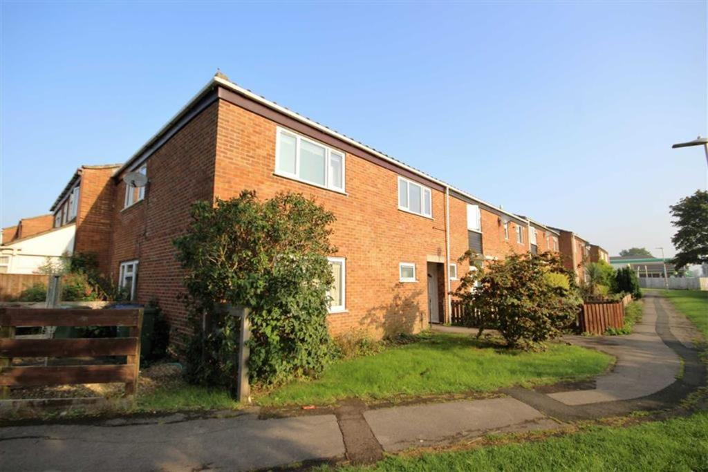 2 Bedroom Apartment For Sale In Fairfield Royal Wootton Bassett Wiltshire Sn4