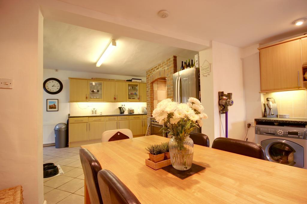 2 bedroom end of terrace house for sale in st nicholas for Terrace kitchen diner