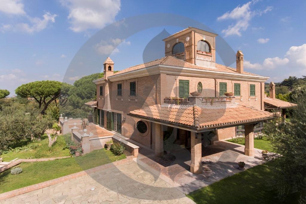 8 bedroom Villa in Roma, Rome, Lazio
