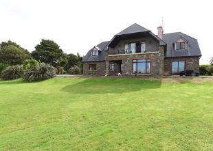 5 bed Detached house in Oysterhaven, Cork