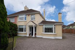 3 bed semi detached house in Cork, Cork