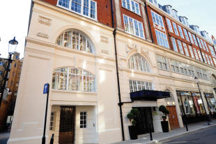 property to rent in 14 Basil Street, Knightsbridge, London, SW3 1AJ