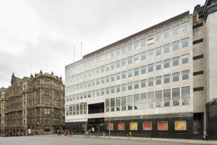 property to rent in 9-10 St. Andrew Square, Edinburgh, EH2 2AF