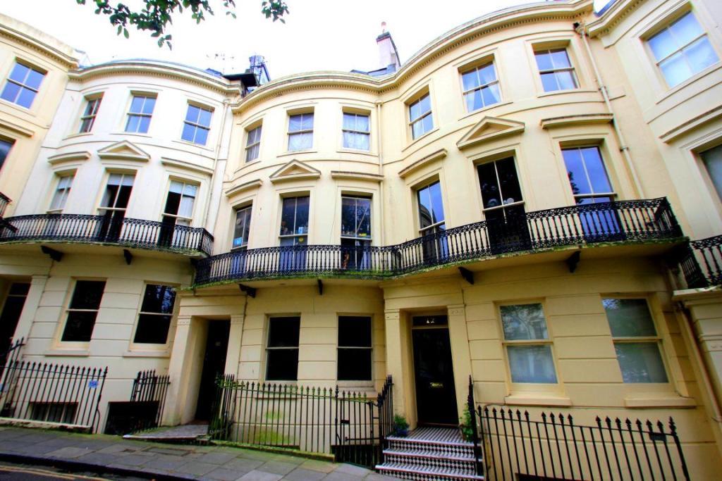 2 bedroom apartment to rent in powis square brighton bn1