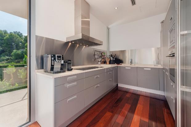 Kitchen / Bon Aire