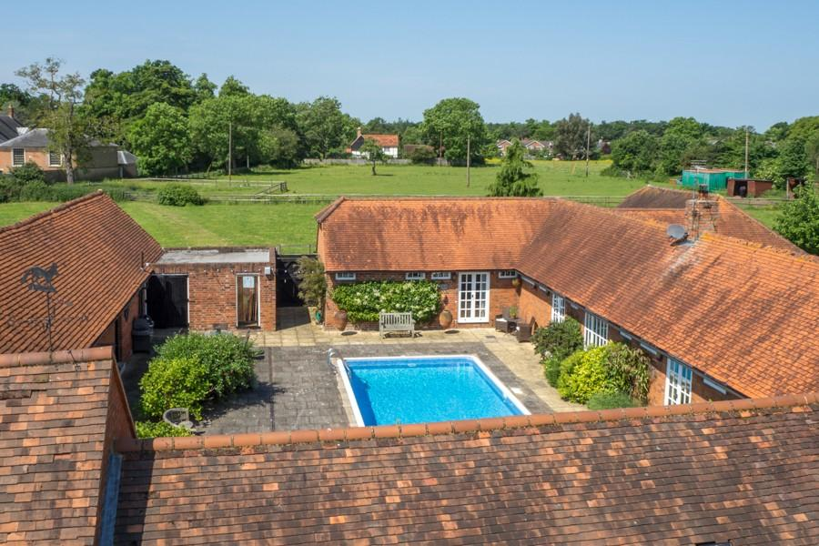 5 Bedroom Detached House For Sale In Shiplake Row Binfield Heath Henley On Thames Rg9 Rg9