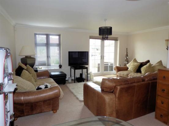 Lounge Area (Pic)