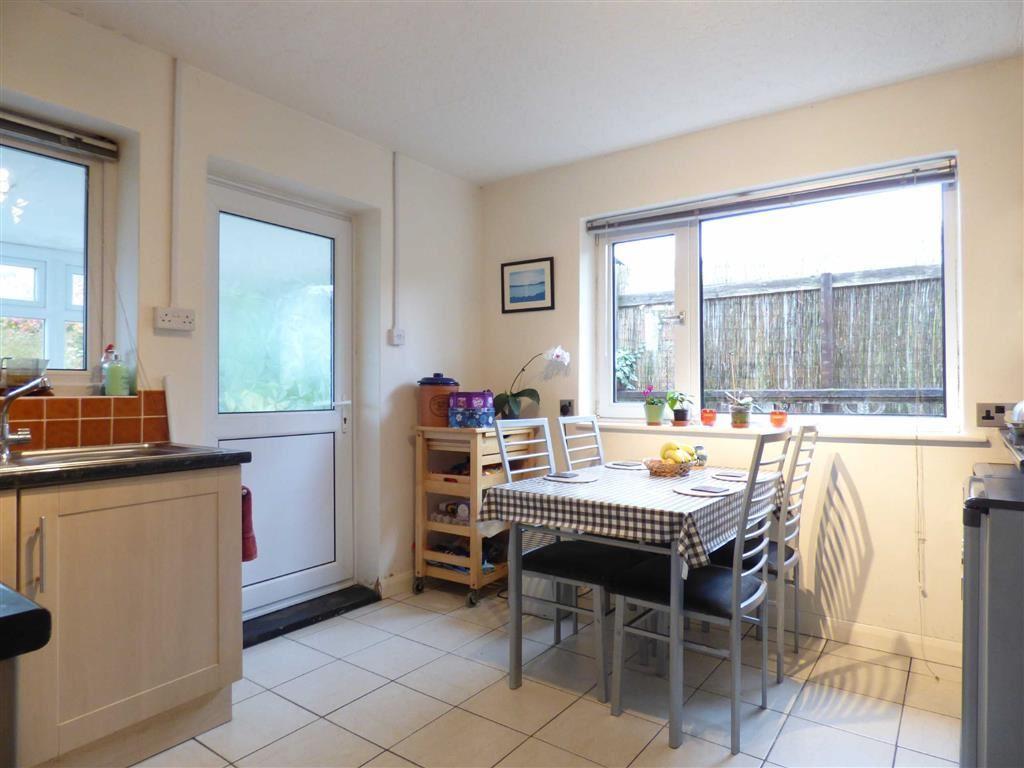 Kitchen-Diner (2nd P