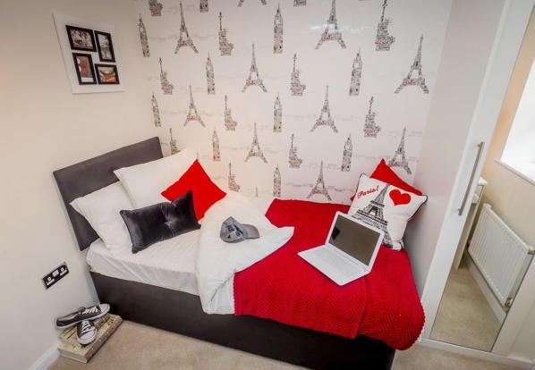 Helmsley bed 4