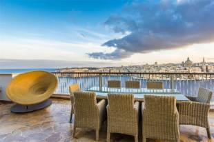 4 bed Penthouse in Sliema
