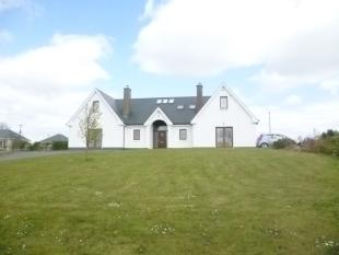4 bedroom Detached house in Carrick-on-Shannon...