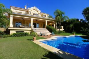 Villa in Los Flamingos, Malaga...