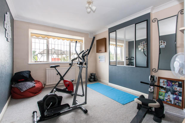Bedroom/Gym