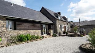 4 bedroom Detached home for sale in Plonévez-du-Faou...