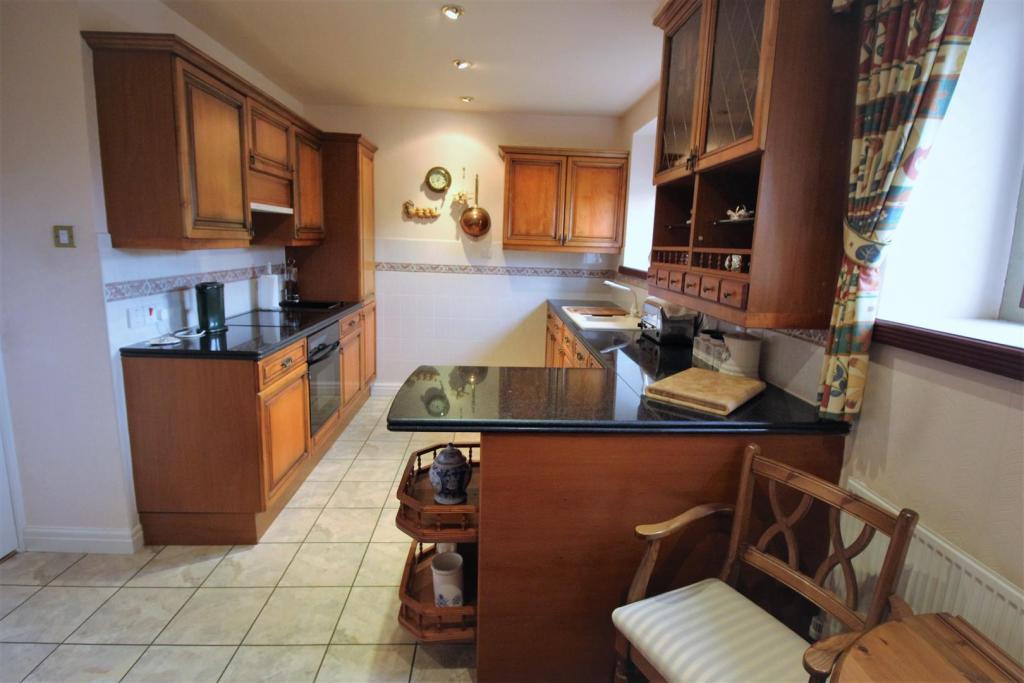 Kitchen/ Brekfast Ro