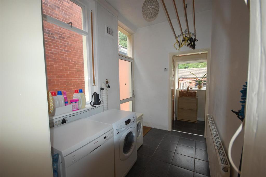 Utility room and Lob