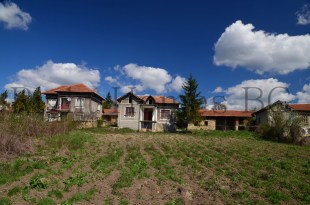 3 bed Village House for sale in Dolna Lipnitska...