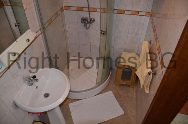 2nd floor WC&shower