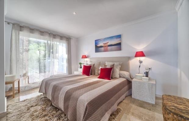 master bedroom showf