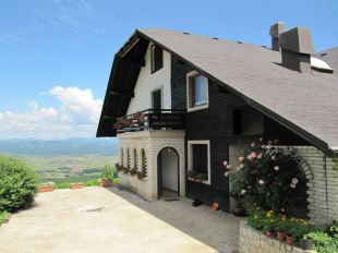 4 bed Detached house for sale in Novo Mesto, Sentjernej