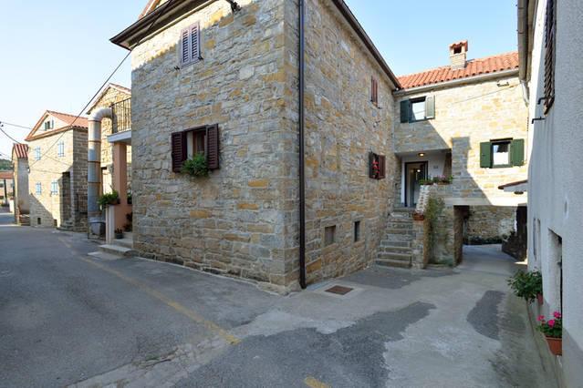 2 bedroom Terraced home for sale in Koper, Socerga