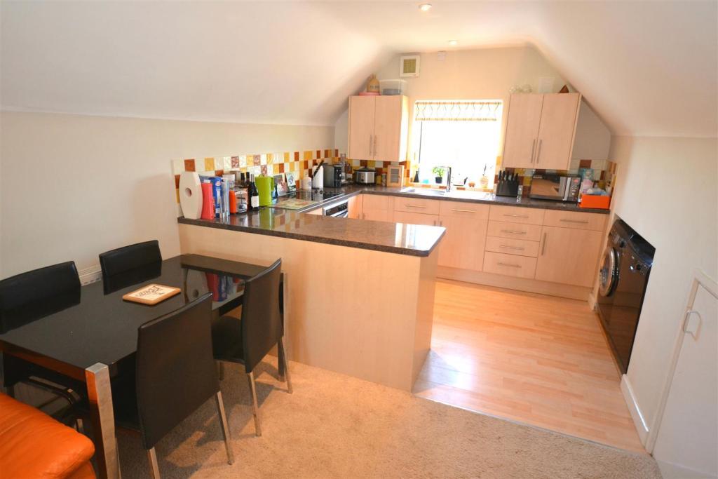 Sitting Room-kitchen