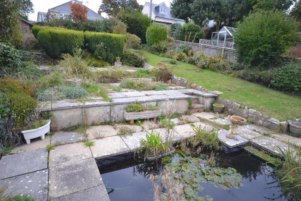 Garden 1.JPG