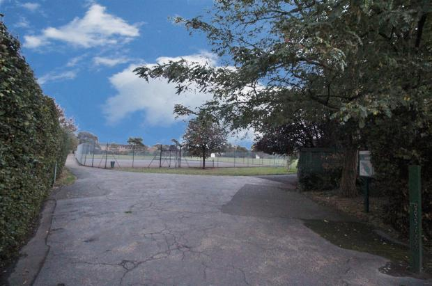 Side Access To Park