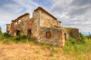 Ruins for sale in Arezzo, Arezzo, Tuscany